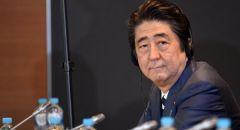 وزير الدفاع الياباني يدعم سوجا لخلافة شينزو آبي في رئاسة وزراء