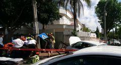 إصطدام سيارة بعامود بعد فقدان سائقها وعيه بسبب وعكة صحية في بيتح تكفا
