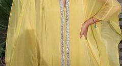 مدوّنات الموضة العربيات باطلالات مليئة بالحيوية وألوان زاهية