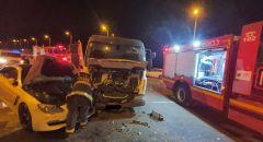تخليص عالق اثر حادث طرق على شارع رقم ٢٥ قرب مفرق ابو تلول في النقب