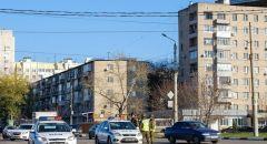 مأساة في مدينة روسية.. أم تقتل ابنتها وابنها وتنتحر والشرطة تحقق