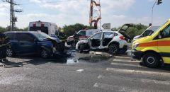 تخليص عالق اثر حادث طرق على مفرق كفرياسيف