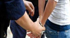 تل ابيب : اعتقال 3 مشتبهين من يافا بالسطو على رجل مستخدمين الغاز المسيل للدموع