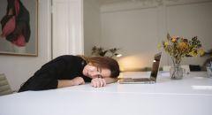 """دراسة: أخذ قيلولة لفترة طويلة جدا يوميا """"تزيد من خطر وفاتك شابا""""!"""