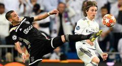 ريال مدريد يفكر بتخفيض رواتب لاعبيه من جديد