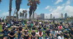 بمشاركة المئات إقامة صلاة الجمعة أمام مقبرة الإسعاف في يافا