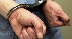 اعتقال أب بشبهة التسبب بإصابة لرضيعته من النقب