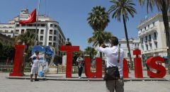 """صحفي إسرائيلي ينشر صورا لزيارة """"تاريخية"""" أجراها إلى تونس قبل 15 عاما!"""