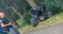 إصابة خطيرة لطفل بحادث بين مركبة وتراكتورون كهربائي في الرملة