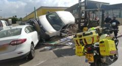 حادث طرق بين سيارتين في كريات ملآخي يسفر عن 4 إصابات