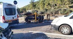 اصابة سائق جرار زراعي بحادث طرق في مجد الكروم