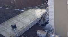 دير حنا: إنهيار جدار ضخم على أحد المنازل