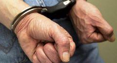 اعتقال مشتبه من بيت جن باقتحام عدد من المركبات في حيفا وسرقة الممتلكات.