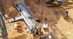 ريشون لتسيون: تخليص عامل بعد سقوطه في بئر بورشة بناء