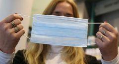 4 نصائح لحماية الوجه من حب الشباب والبثور من ارتداء الكمامة