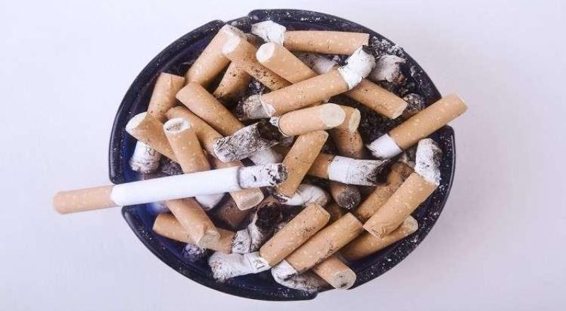طبيب: التدخين أشد ضررا في الأجواء الحارة