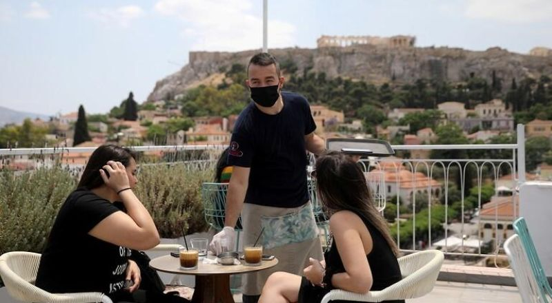 اليونان تفتح أبوابها للسياح الأجانب من 29 دولة بما في ذلك الصين
