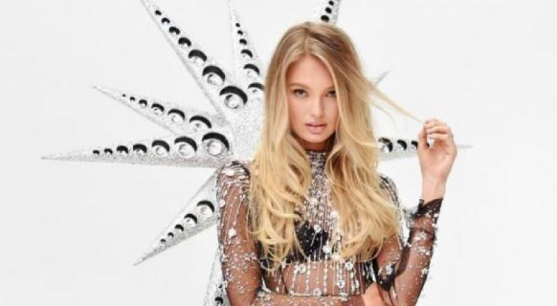 عارضة (Victoria Secret) تنشر صور حياتها الخاصة 2020-09-16