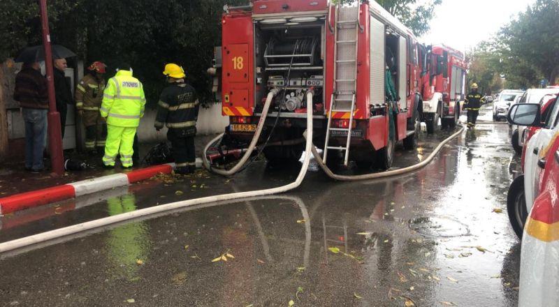 المركز: اندلاع حريق داخل منزل بسبب ضربة برق