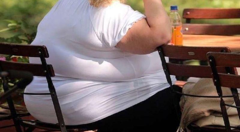 دراسة: الإفراط بتناول الطعام ليس سببا للسمنة بل العكس
