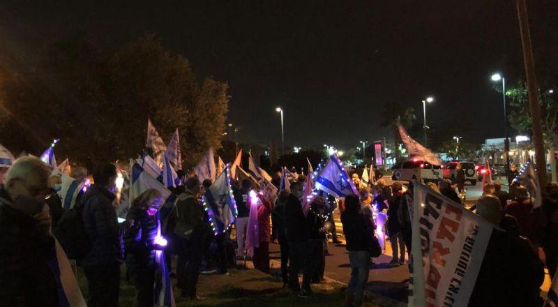استمرار الاحتجاجات ضد نتنياهو في مدينة القدس للاسبوع الـ30 على التوالي