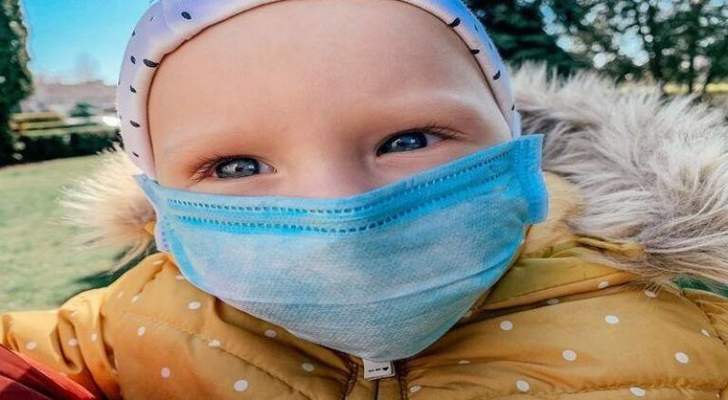 أعراض شائعة تدل على إصابة الأطفال بكورونا