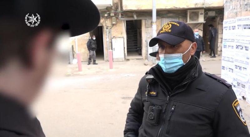 3,309 مخالفة حررت الشرطة أمس في كافة ارجاء الدولة، اثر انتهاكات مختلفة لأنظمة الطوارئ