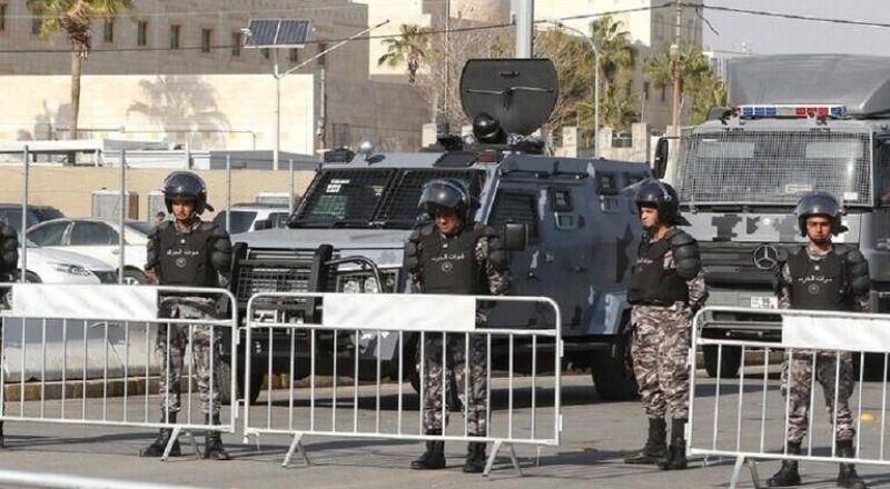 الأردن.. إيقاف عناصر أمنية اعتدت على شاب بالضرب أثناء اعتقاله