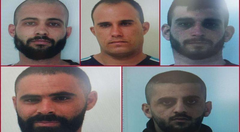 صور المتهمين الخمسة من الرامة والبعنة،  الذين اختطفوا الفتاة المعقة  واغتصبوها
