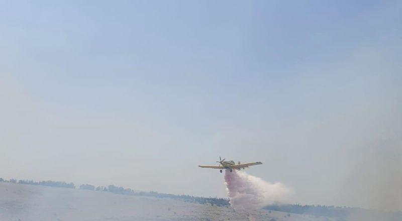 اكسال : اندلاع حريق كبير في منطقة اشواك والحريق ينتشر نحو مصانع واماكن تجاريه
