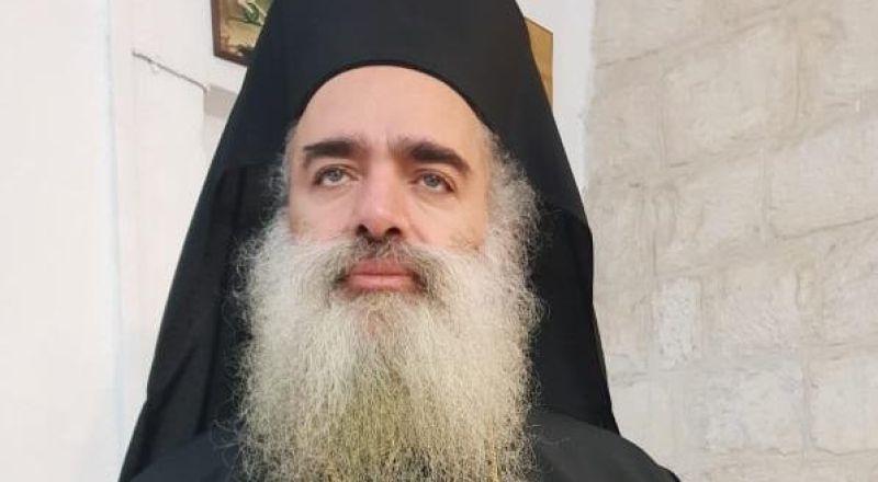 المطران عطا الله حنا : متضامنون مع الاسير ماهر الاخرس المضرب عن الطعام
