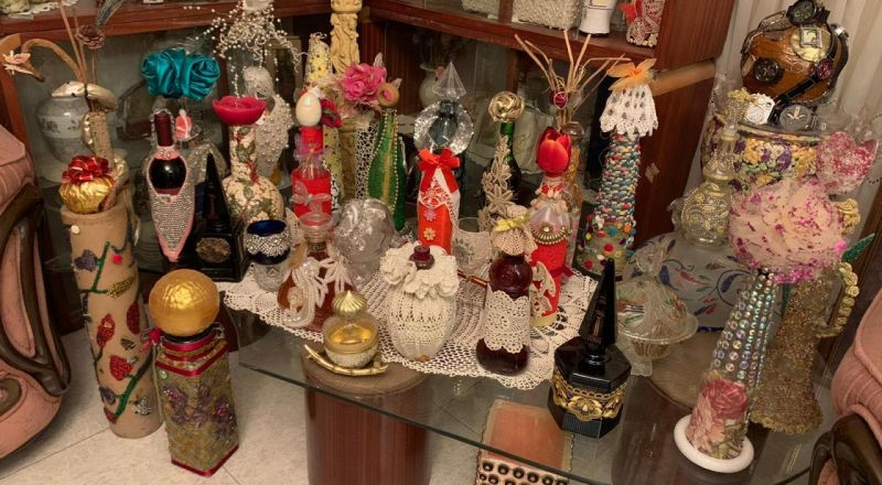 الفنانة كميليا زريق من عيلبون تنهي معرض 100 تحفة فنية يدويّة