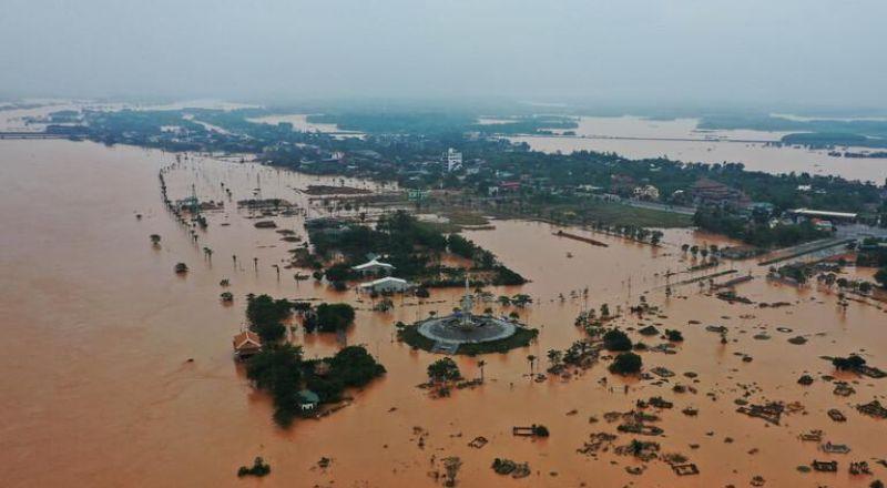 حيفا ,,, تخليص عالقين من الفيضانات والسيول