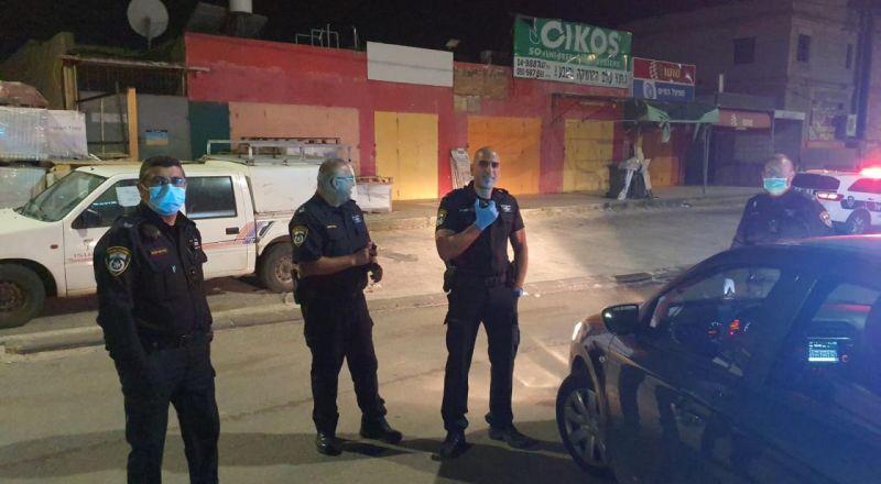 الرامة: قوات من الشرطة تنشر الحواجز في شوارع القرية