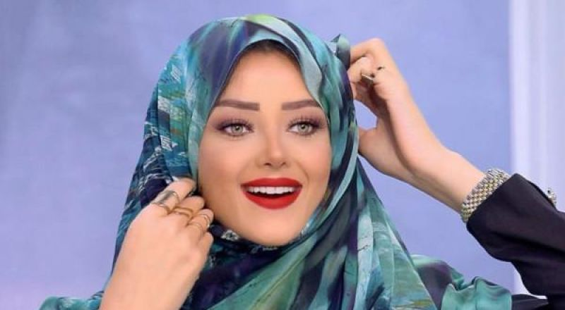"""إحالة رضوى الشربيني للتحقيق بسبب """"الحجاب"""""""