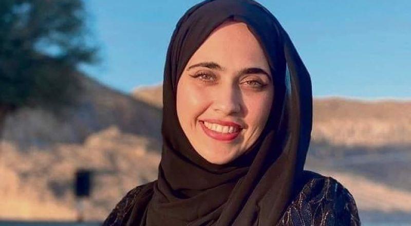 سمية المهيري أول طالبة إماراتية تستعد لدراسة التمريض في اسرائيل