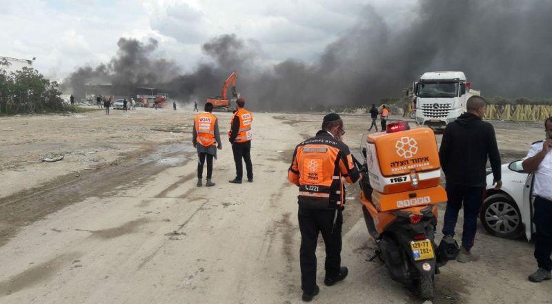 مصابان بحالة خطيرة جرّاء انفجار في مصنع بالمنطقة الصناعية نير تسفي